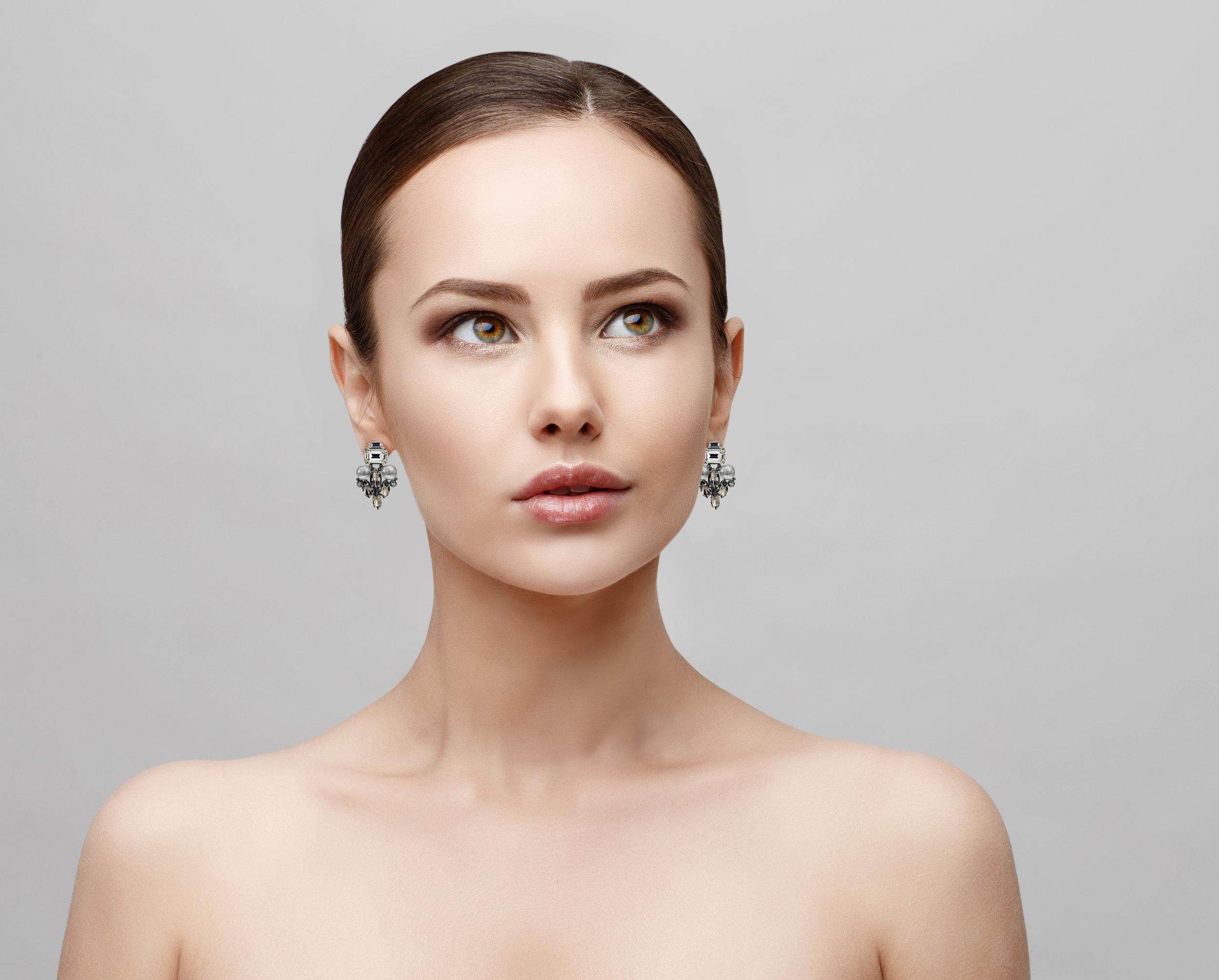 Model-CE10-Earrings (deleted 4acc7271115689a7eff60e414b893ac7).jpg