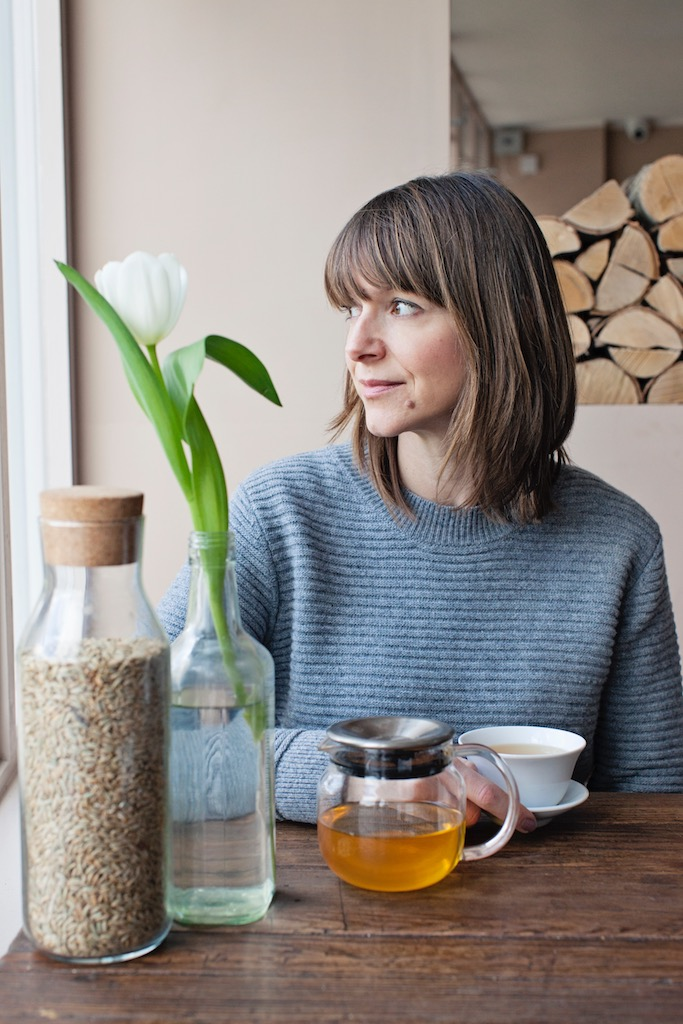 """Rebecca Rhodes-Evans - Rebecca-Rhodes Evans owner of Rock My Bowl, now caters for events all around London for the likes of Instagram, Pinterest, Liberty, Browns Fashion, Tommy Hilfiger, Elemis, WeWork to name a few.With a focus on seasonal, plant based food, grains and seeds. Rebecca's food is beautiful, nourishing and meant to be a feast for the eyes and the body. It's food thats meant to be shared and lingered over""""When I became a mum it became even more obvious to me how important this first meal of the day is. As a regular exerciser I have always been interested in food as fuel and I have spent a lot of time understanding how to give your body the nourishment and nutrients it needs to function. All too often these foods can be bland when there is so much around to make it sensational"""" Rebeccarockmybowl.com"""