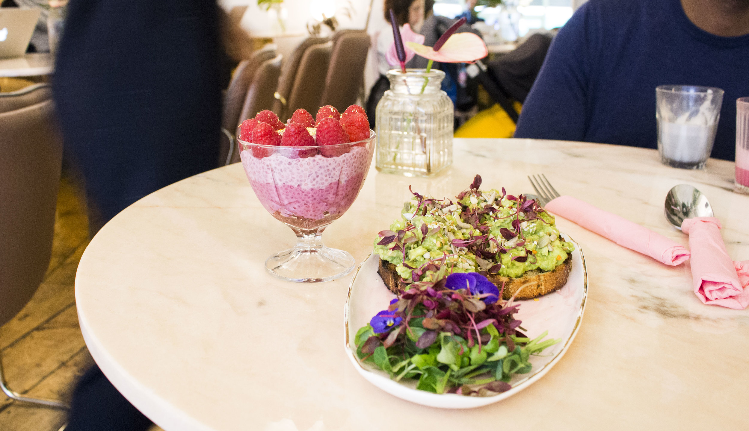 Avo toast and Pink Ombre Chia Pudding - so pretty and tastes amazing!