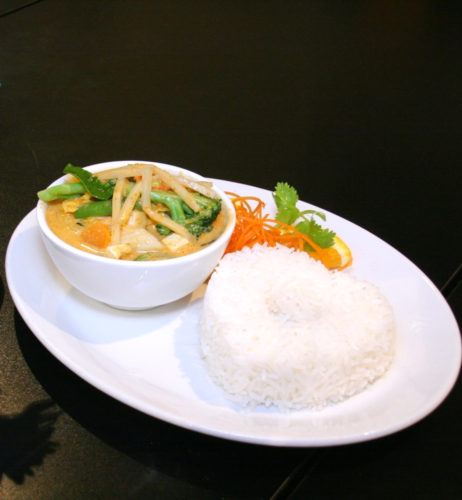L. Red Veggie Curry with Steamed Rice