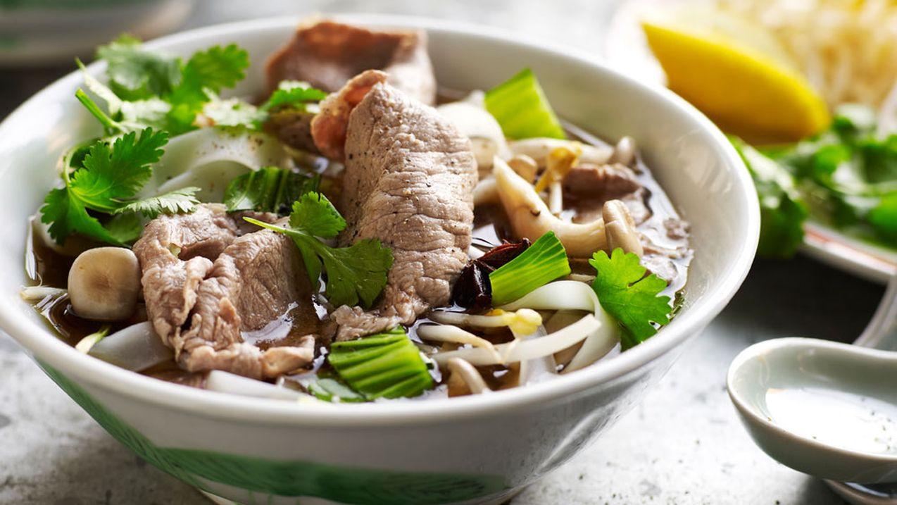 http---prod.static9.net.au-_-media-2016-11-18-08-51-Vietnamese-beef-noodle-soup-pho-Image-BeefandLambcomau.jpg