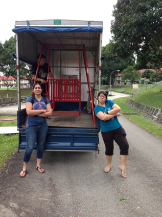 Yes. That is a garden swing. On a truck. (With Myra and Tania, StageIT Exco, 2013)