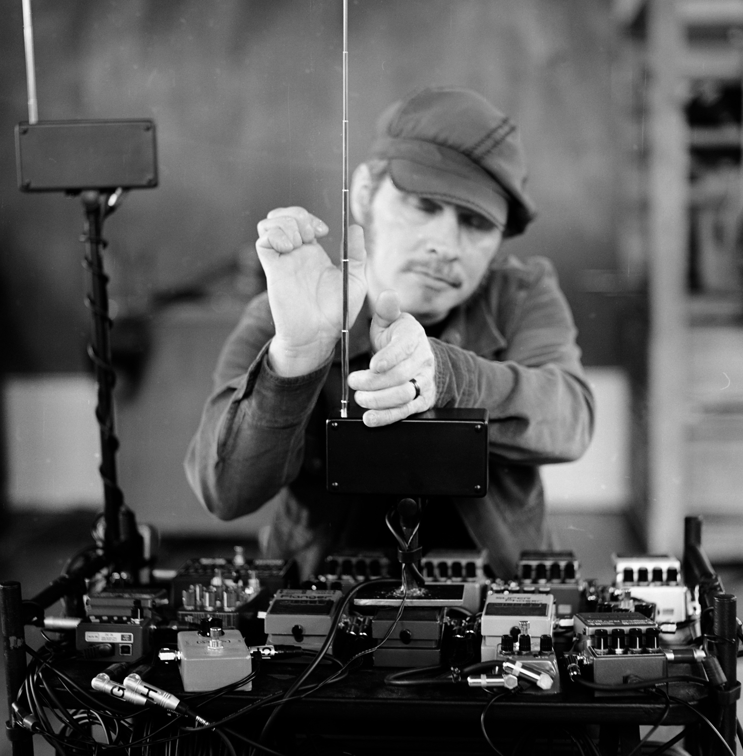 Sonic Parlour - The sculpting of sound.An experimental music project.My medium is the Theremin.