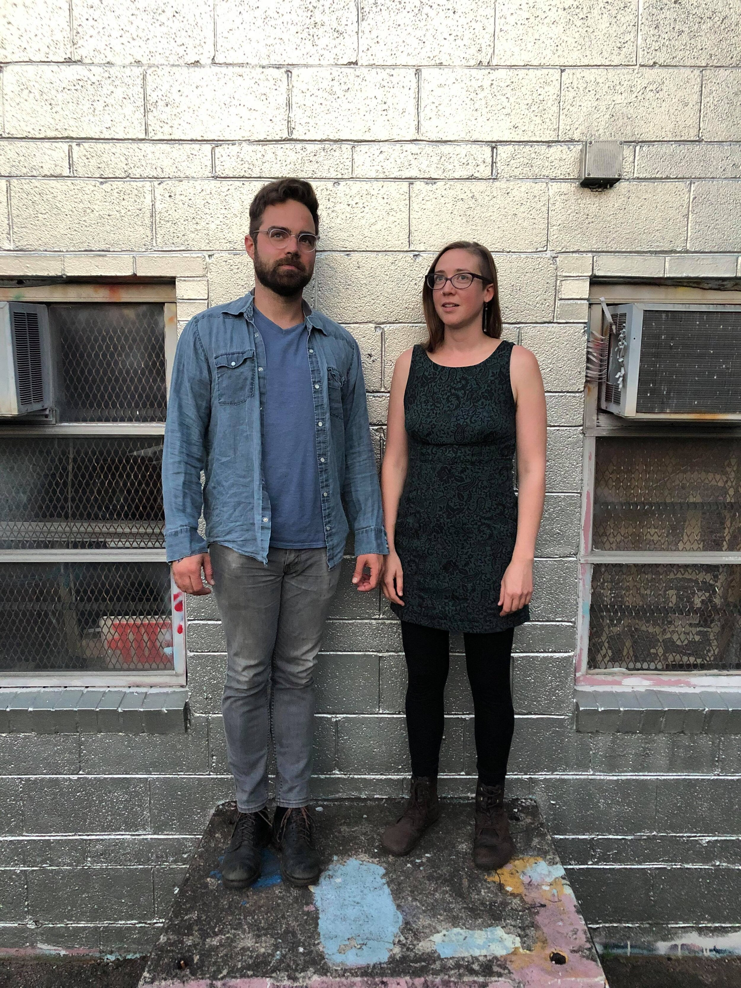 VINESINES - Vinesines is a collaboration between cellist Emmalee Hunnicutt and composer/multi-instrumentalist Ben Hjertmann. Vining together their years of work writing, playing, and experimenting with sound, they create bizarro-beautiful improvised songs.