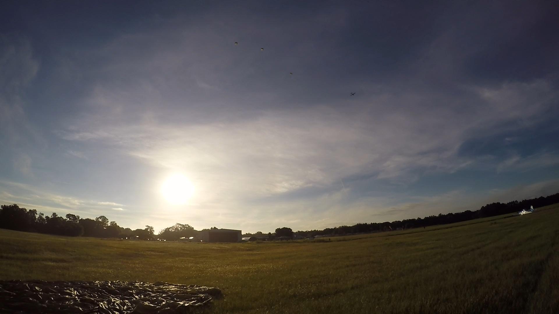4 - Landing -150926.jpg