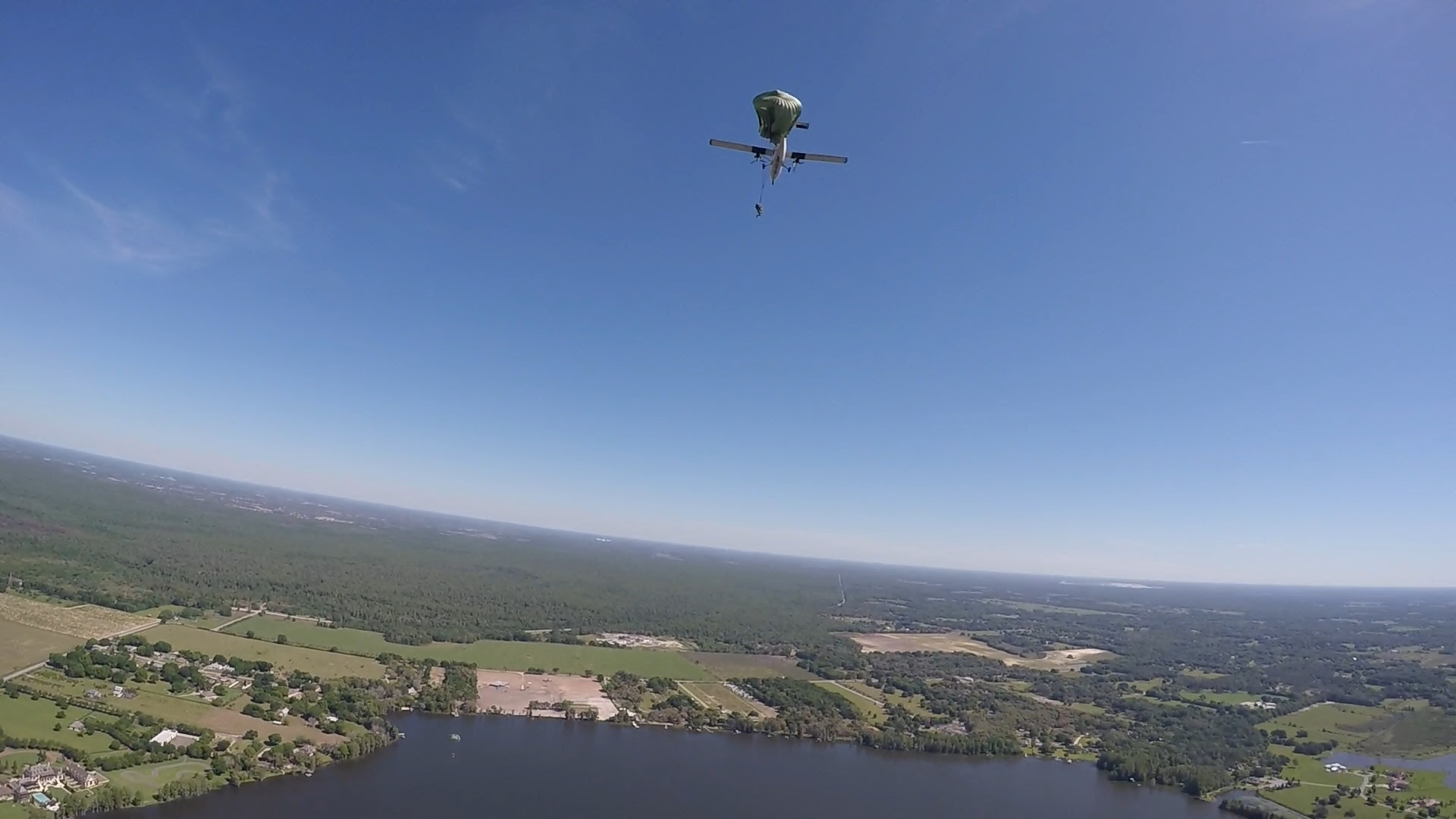 Airborne - 160409 - Andy exit.jpg