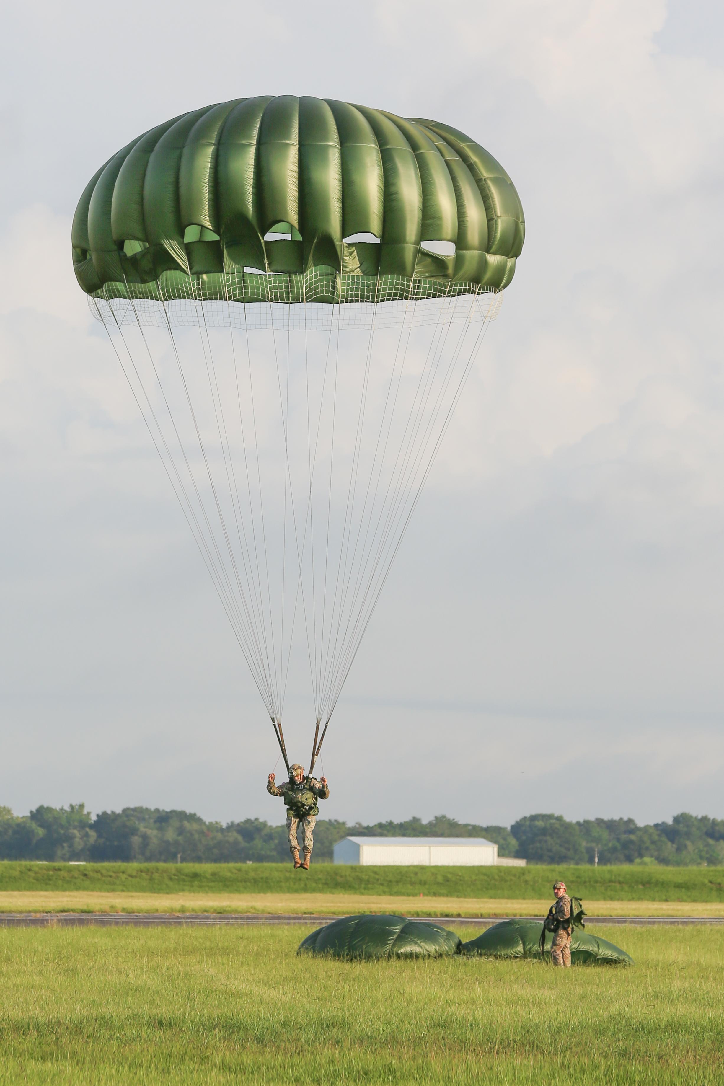 170812 - ParatrooperAugustSet3-1095 (47).jpg