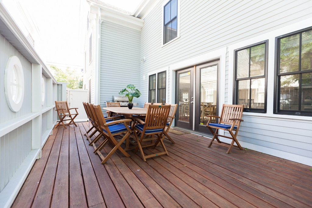 Shea Porch 2 Zillow.jpg