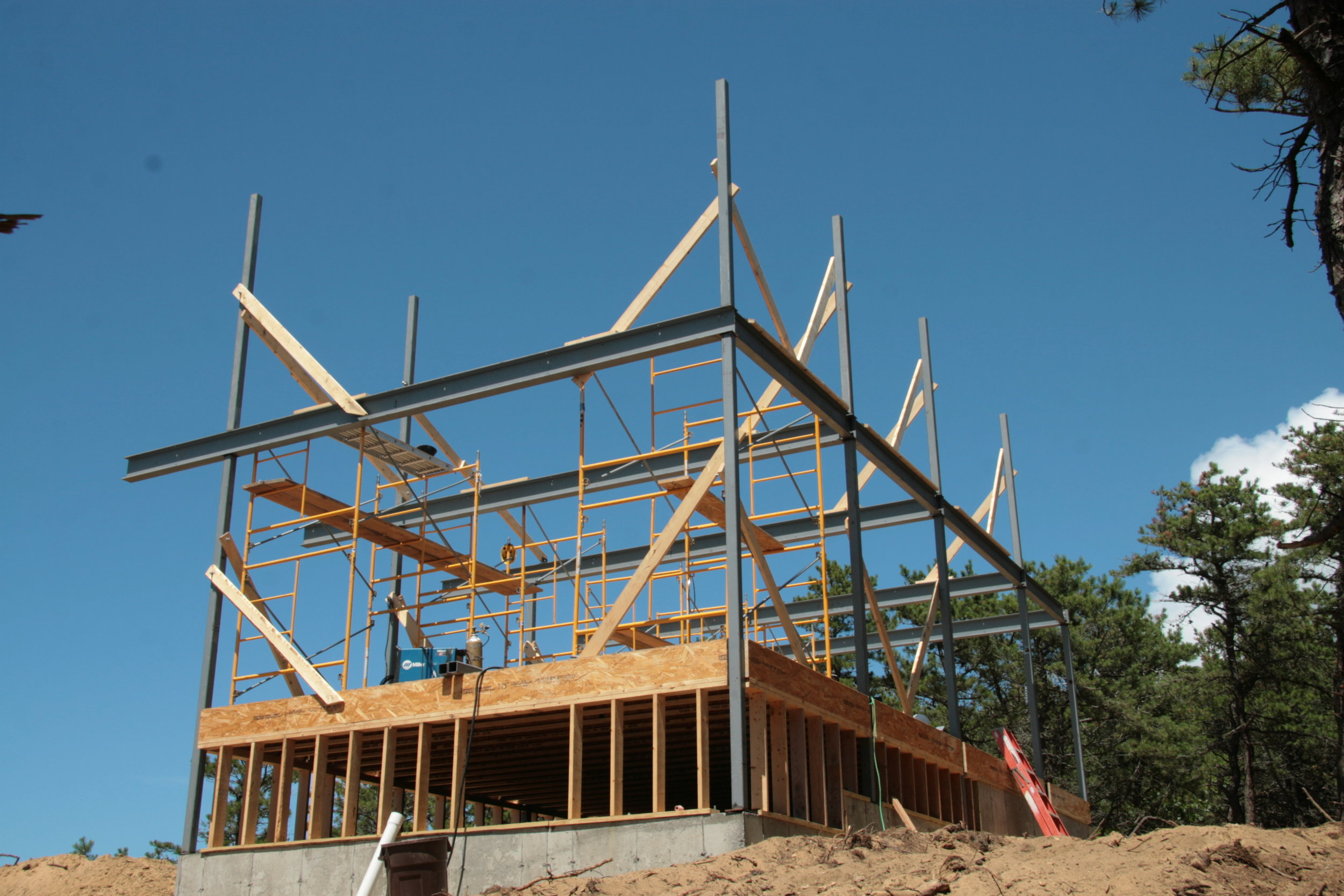 Steel Frame to allow large deck and sustain high winds