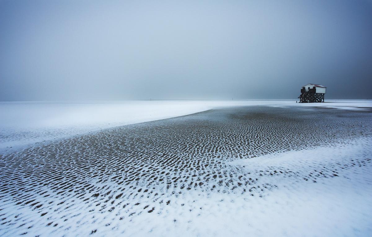 201201  unreal beach 4679 sh sRGB.jpg