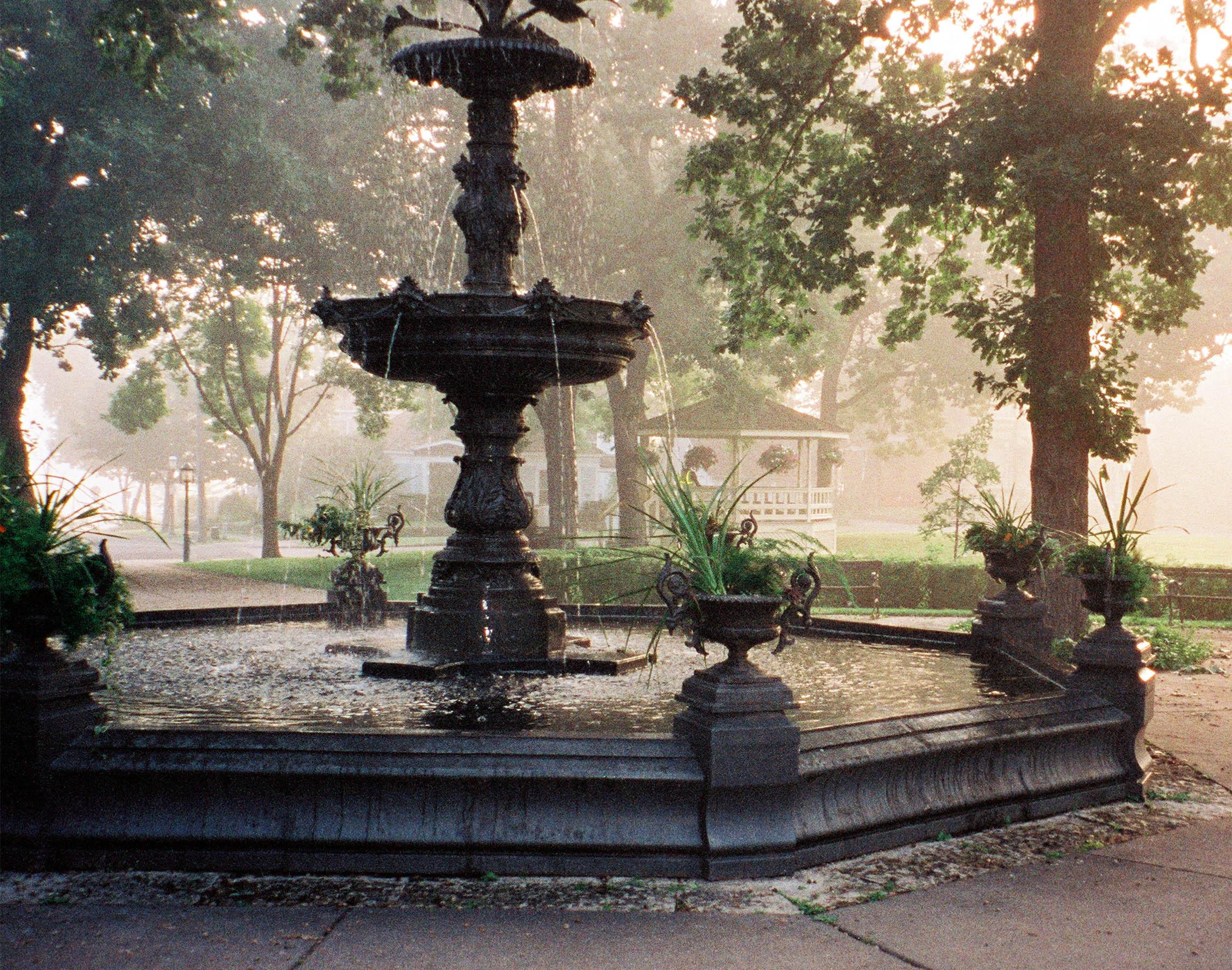 01.Fountain Fog.jpg