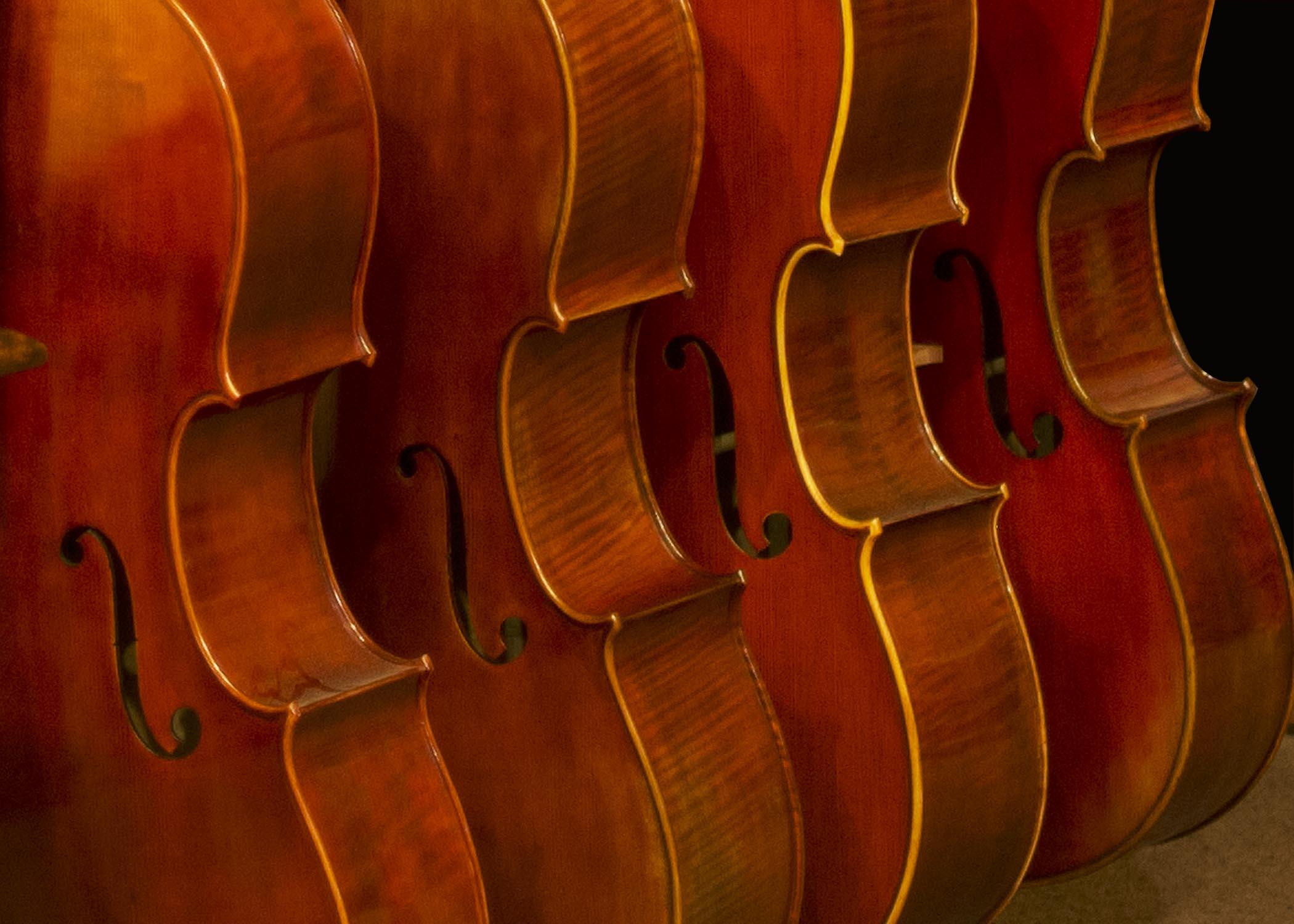 Violins_1923.jpg