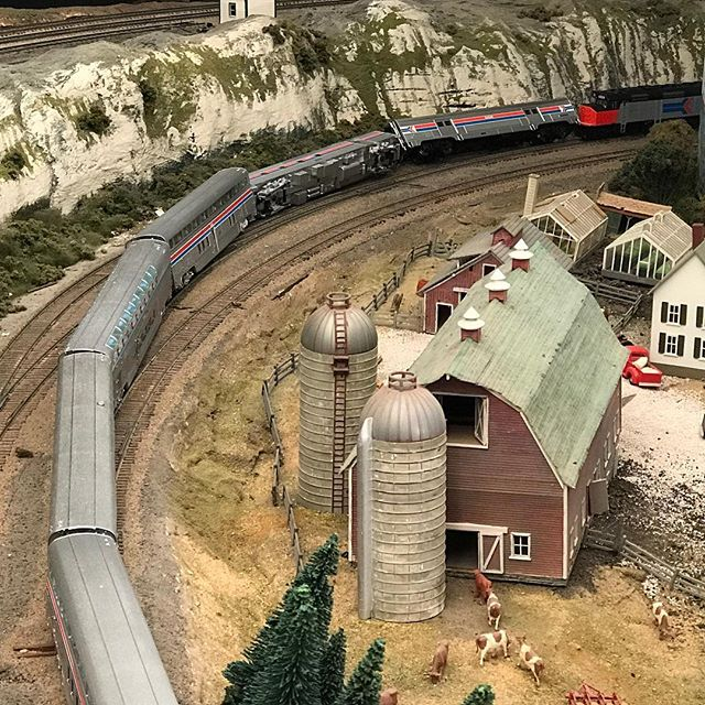 Even being very careful, derailments happen. This was caused by a switch not being fully closed. #garfieldcentralrailroad #hoscale #modeltrains #modeltrain #modeltrainhobby #modelrailroad #moderailroading #modelrailway