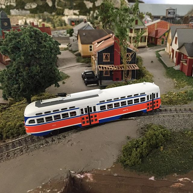 Summit Traction Co. is trying out the latest in streetcar technology, a PCC car. These slick cars graced many city streets and still run today as historic cars in a few cities. #hoscale #hoscaletrains #modeltrains #modeltrain #moderailroad #minaturescale #garfieldcentralrailroad