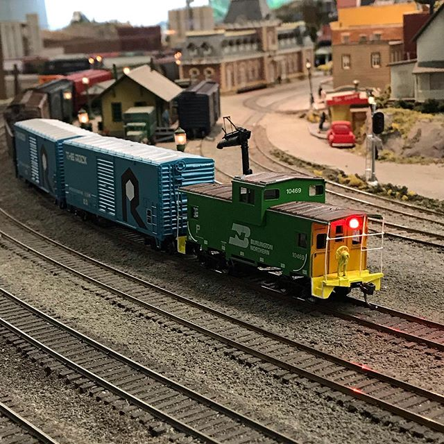 The end of the train rounds the bend through Summit. #modeltrainsofinstagram #hoscale #modelrailroading #modelrailwayscene #modelrailway #modeltrain #modelrailroads #garfieldcentralrailroad