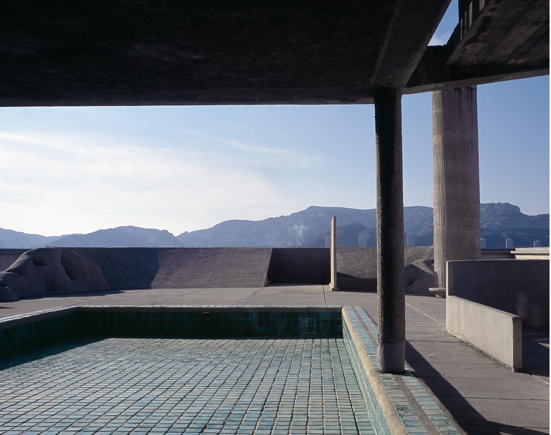 Unité d'habitation / Le Corbusier