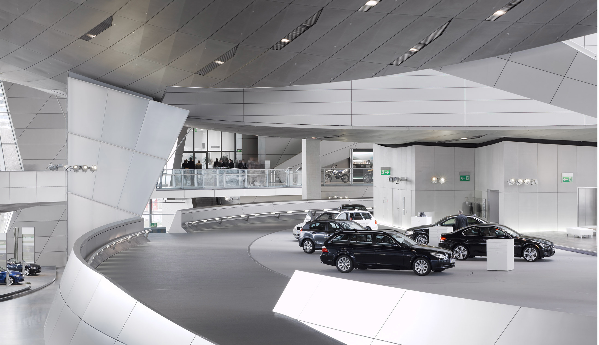 CHA-BMW-0103-A.jpg