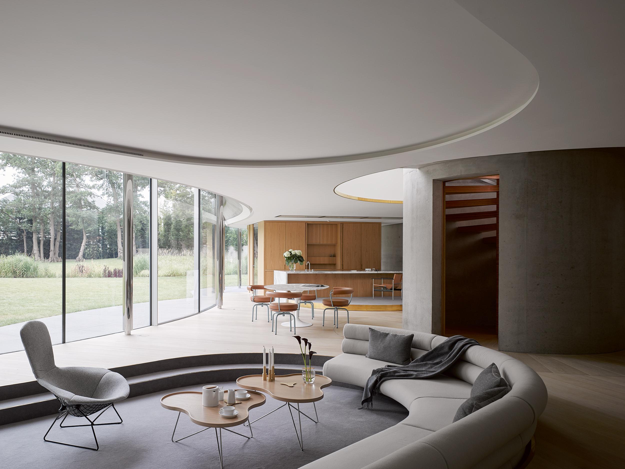House in Coombe Park / Eldridge London