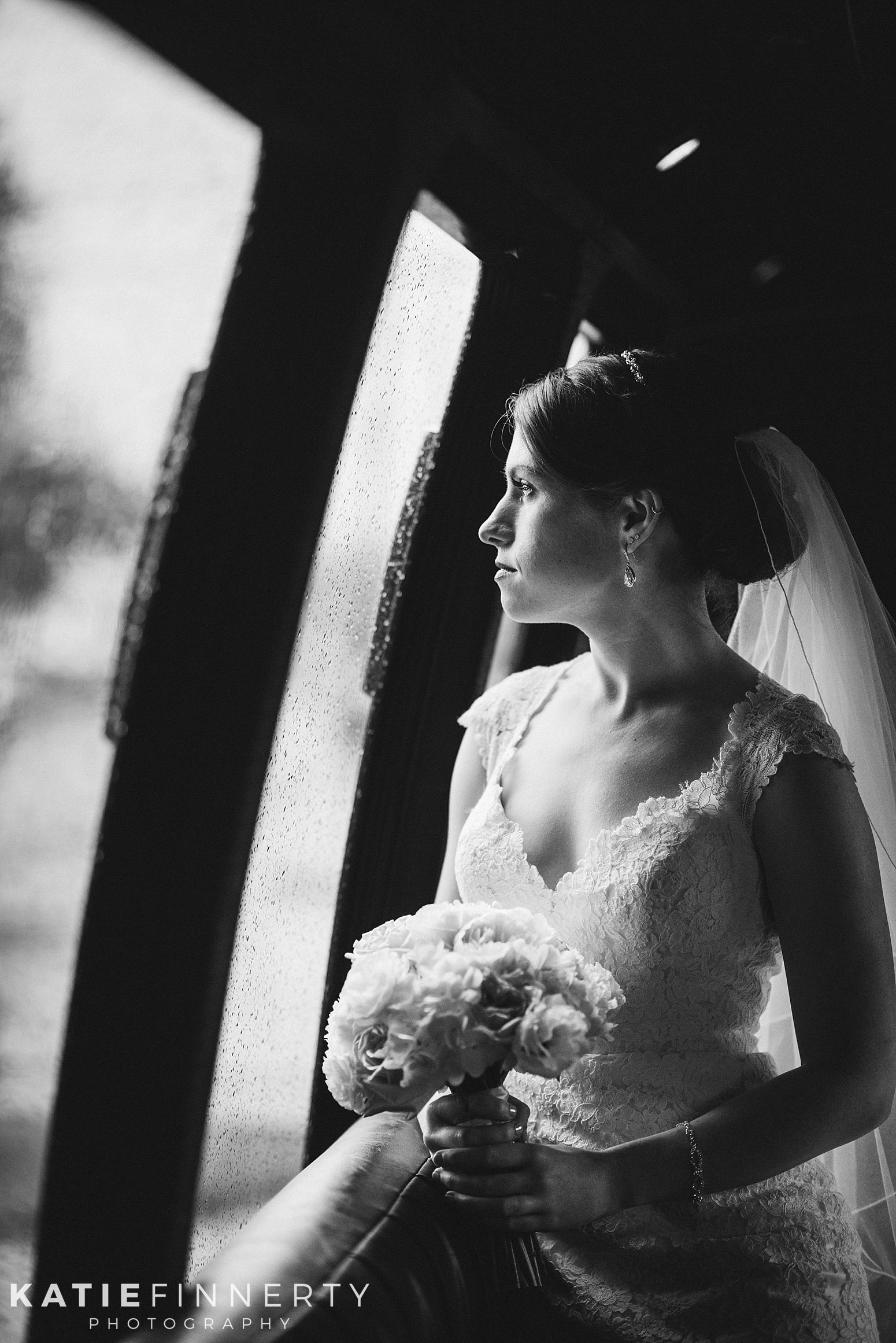 Belhurst Castle Rainy Day Wedding Photography