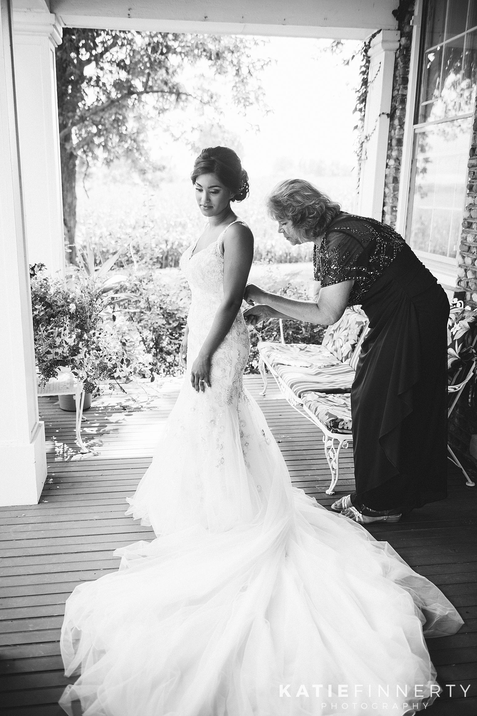 Cobblestone Wedding Barn Rochester Wedding Photography