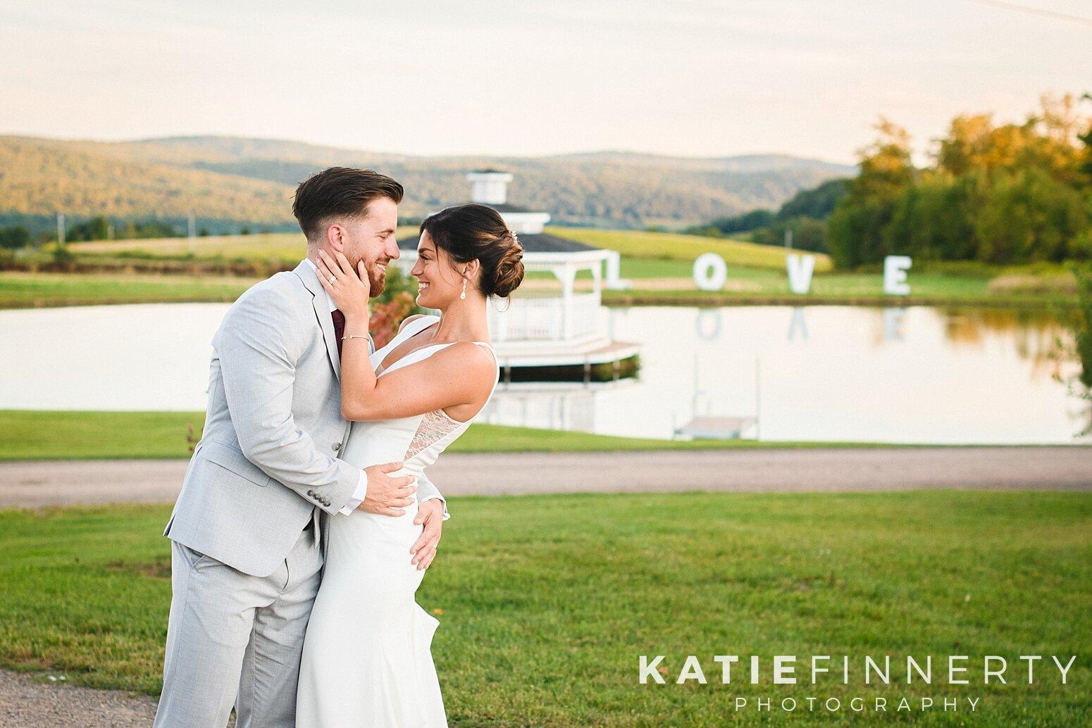 Gilbertsville Farmhouse Barn Wedding Photography