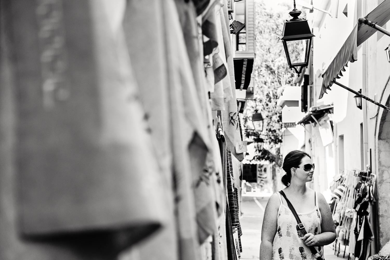 adventure-travel-photography-becky-brockie-greece-sister-shopping.jpg