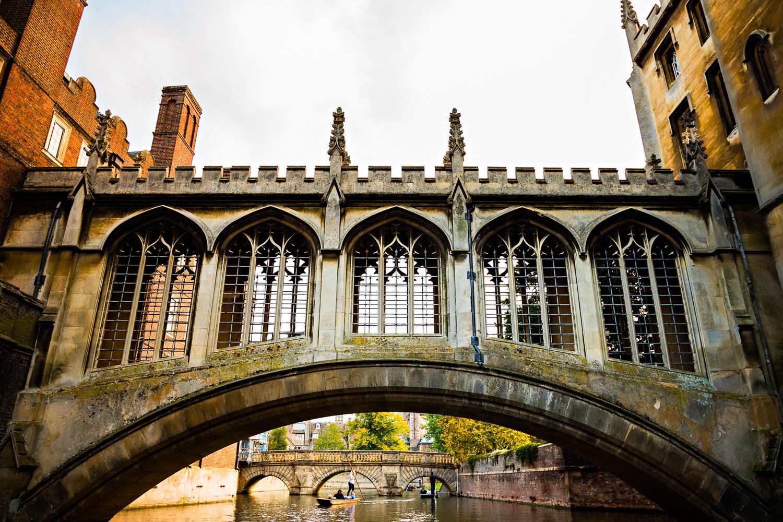 adventure-travel-photography-becky-brockie-england-cambridge-bridge.jpg