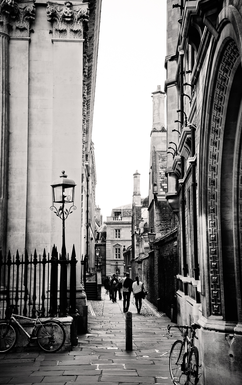 adventure-travel-photography-becky-brockie-england-cambridge-street.jpg
