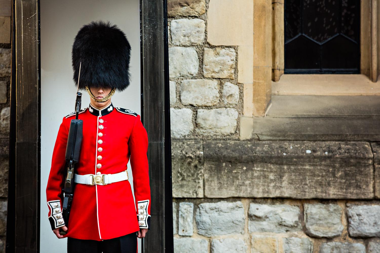 adventure-travel-photography-becky-brockie-england-london-guard.jpg