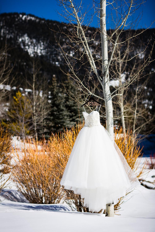 big-sky-montana-winter-wedding-breanna-dress.jpg