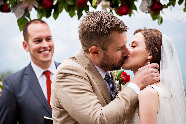 big-sky-wedding-becky-brockie-photography-mountain-ceremony-kiss-richard.jpg