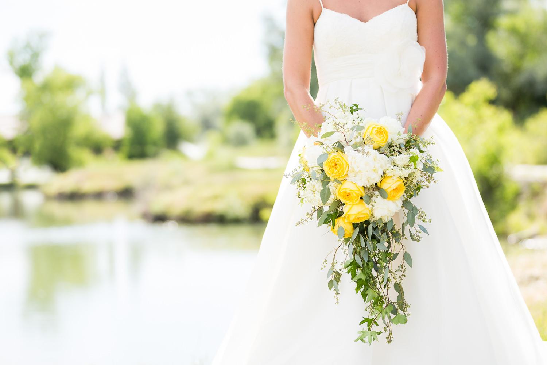 billings-montana-swift-river-ranch-wedding-reception-bridal-bouquet.jpg
