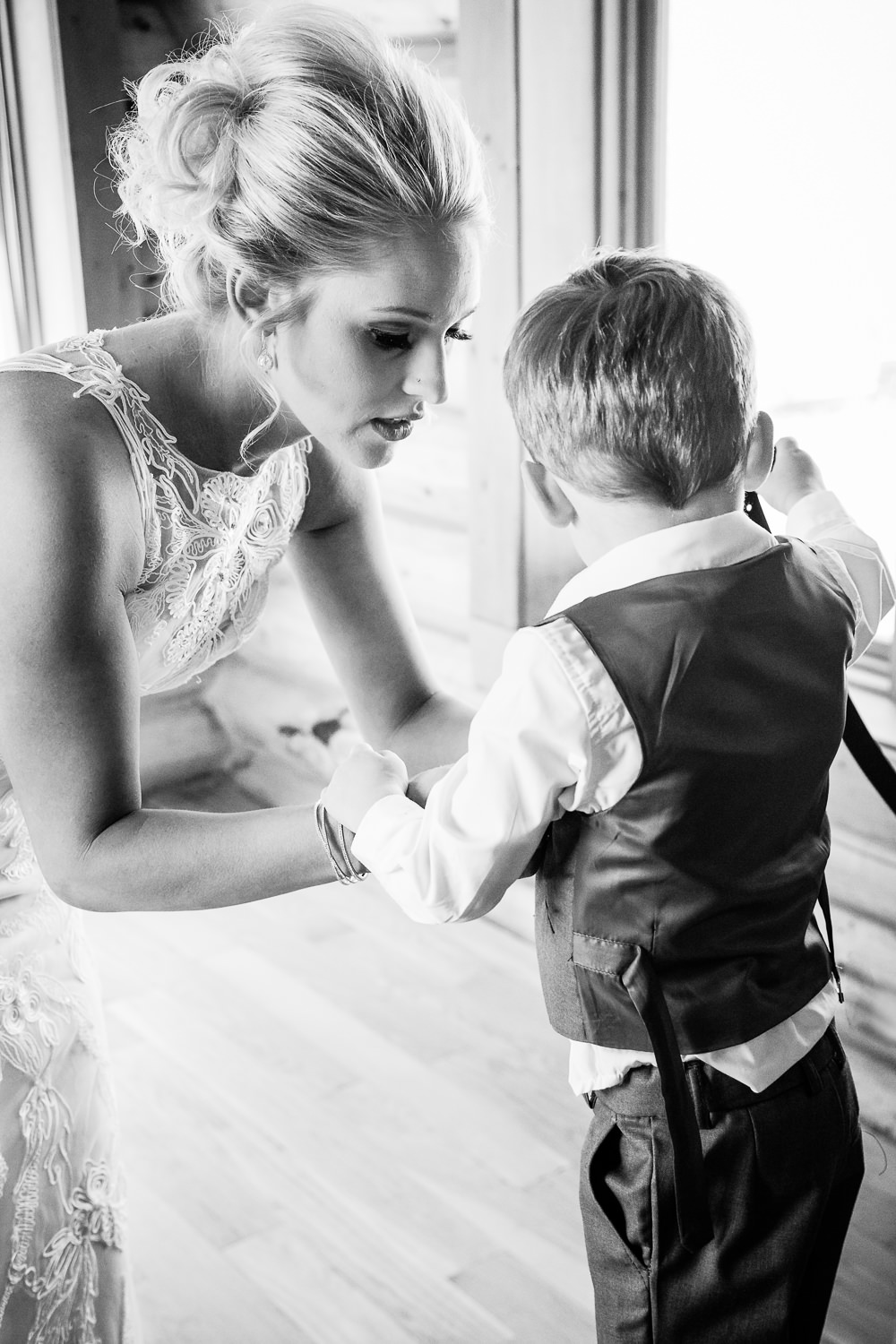red-lodge-montana-wildflower-wedding-bride-son-get-ready.jpg