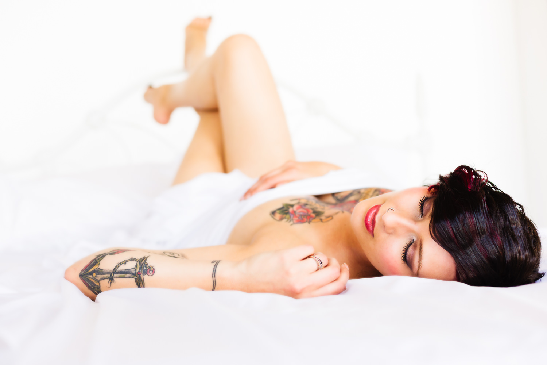 billings-montana-boudoir-photoraphy-tattooed-woman-stretches.jpg