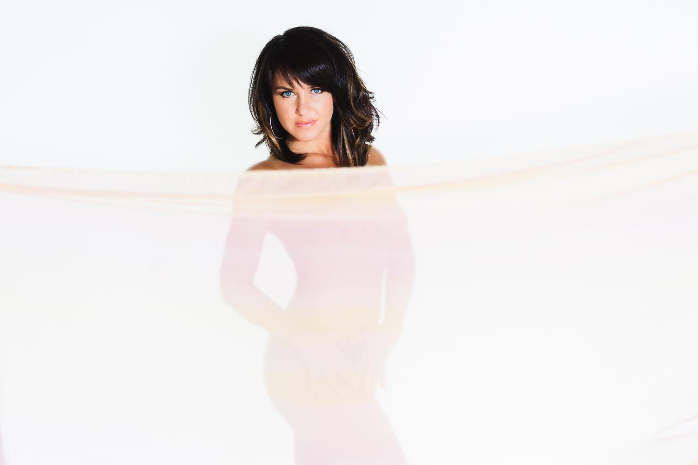 billings-montana-boudoir-photoraphy-woman-nude-behind-scarf.jpg
