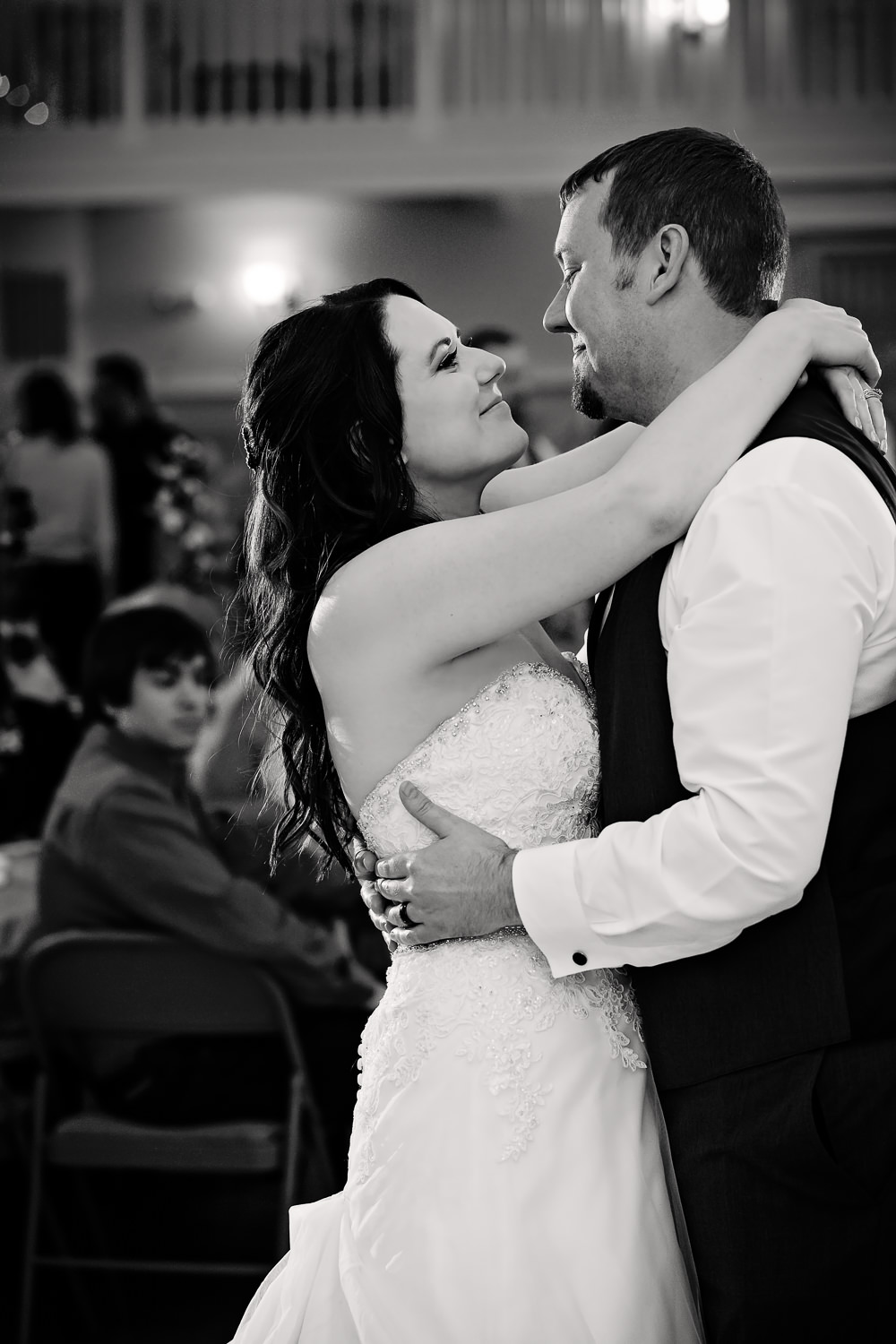 missoula-montana-wedding-heritage-hall-bride-groom-first-dance.jpg