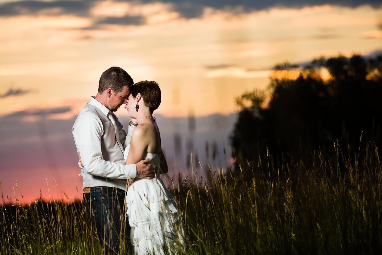 bozeman-montana-wedding-enjoy-sunset-moments.jpg