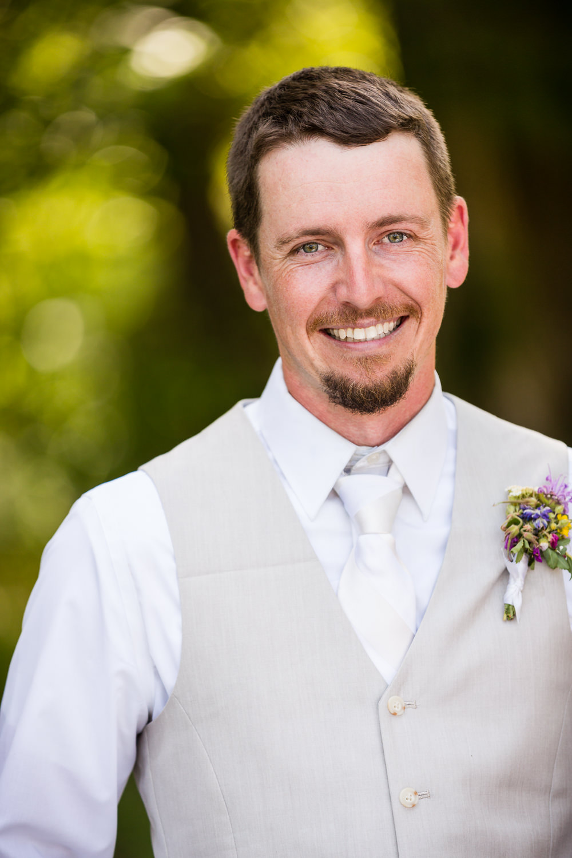 bozeman-montana-wedding-groom-bridger-canyon.jpg