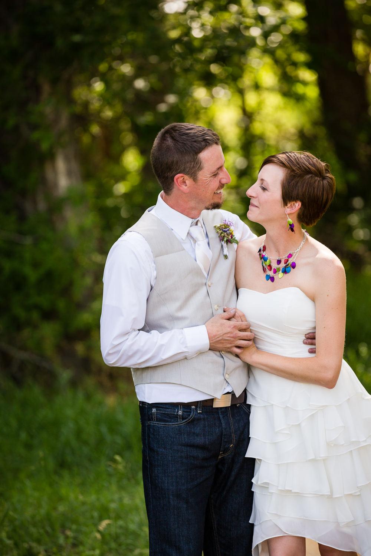 bozeman-montana-wedding-share-quiet-moment.jpg