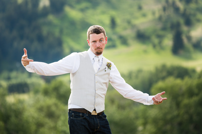 bozeman-montana-wedding-groom-silly-pose.jpg