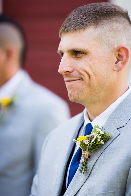 bozeman-montana-wedding-roys-barn-groomsmen-smiling.jpg