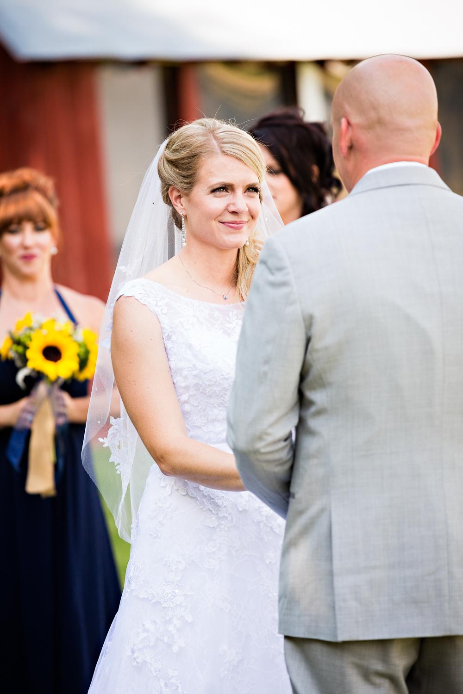 bozeman-montana-wedding-roys-barn-bride-says-vows.jpg
