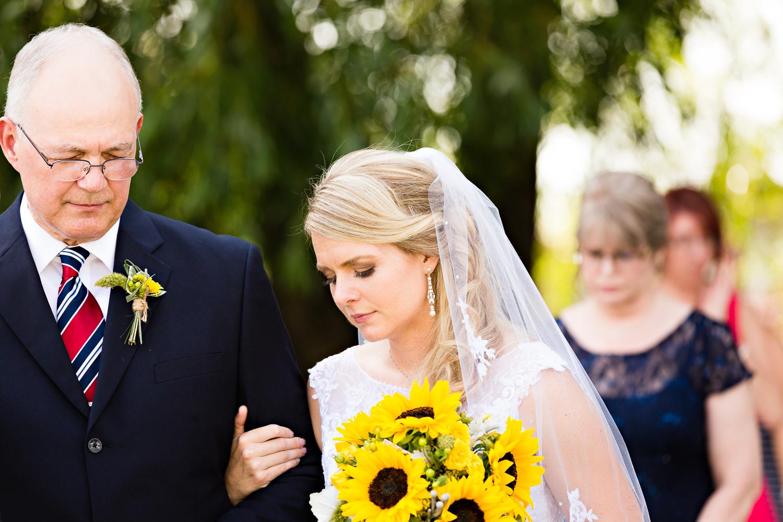 bozeman-montana-wedding-roys-barn-dad-prays-during-ceremony.jpg
