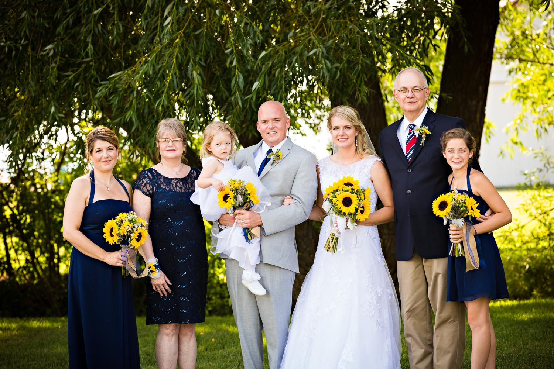 bozeman-montana-wedding-roys-barn-brides-family-formal.jpg
