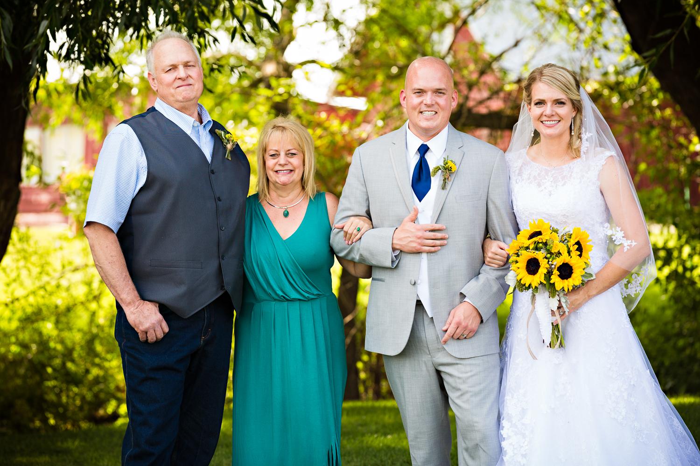 bozeman-montana-wedding-roys-barn-grooms-family-formal-dad.jpg