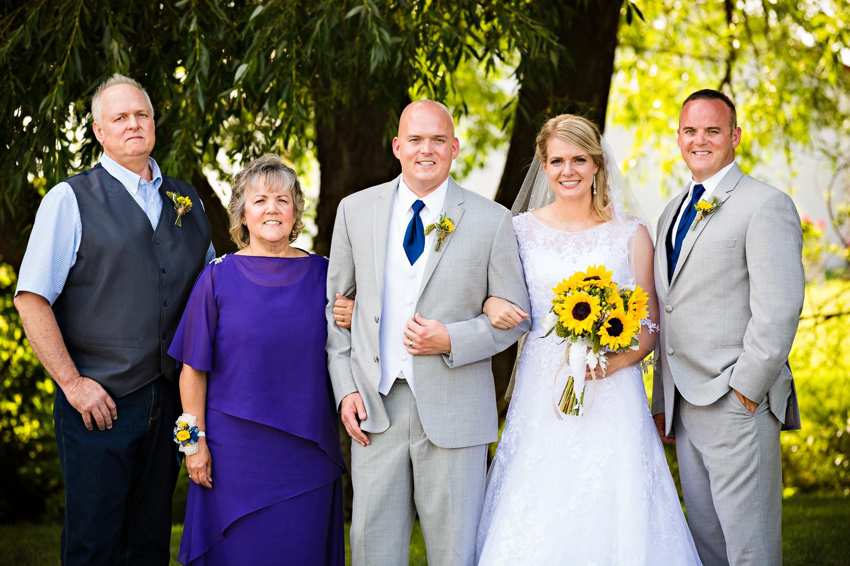 bozeman-montana-wedding-roys-barn-grooms-family-formal-mom.jpg