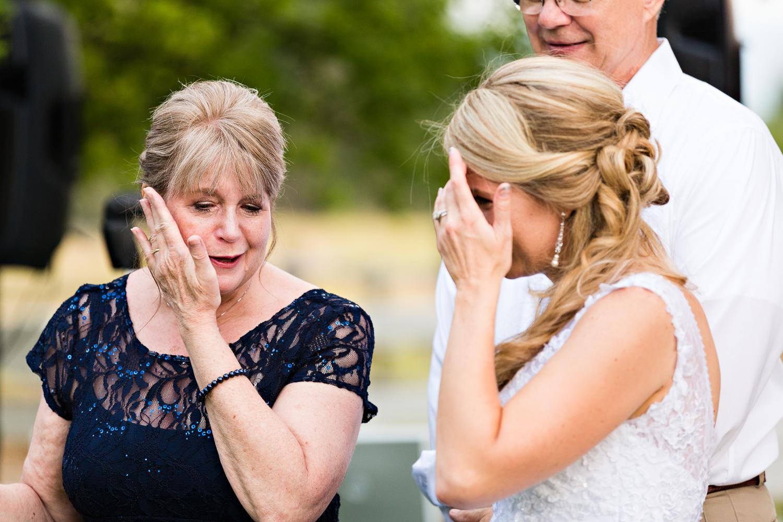 bozeman-montana-wedding-roys-barn-bride-cries-with-mom.jpg