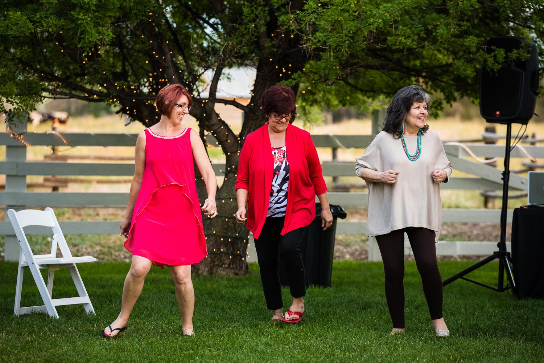 bozeman-montana-wedding-roys-barn-women-linedancing.jpg