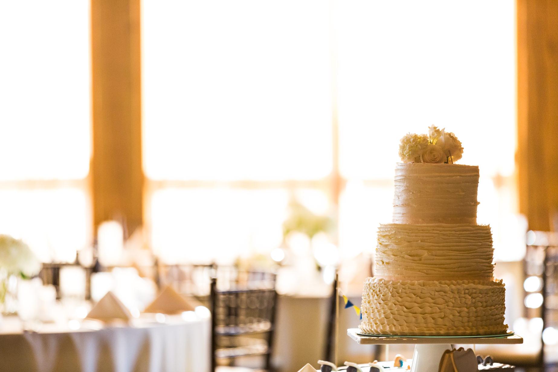 big-sky-resort-wedding-wedding-cake.jpg