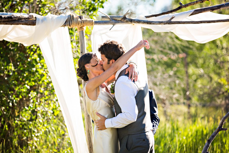 mcleod-montana-wedding-ceremony-kiss.jpg